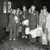Aankomst Spanjestrijders in Amsterdam 5 december 1938